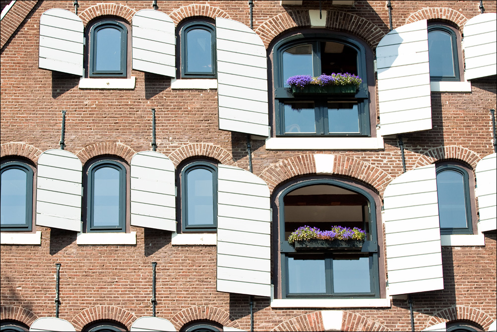 Windows (2)